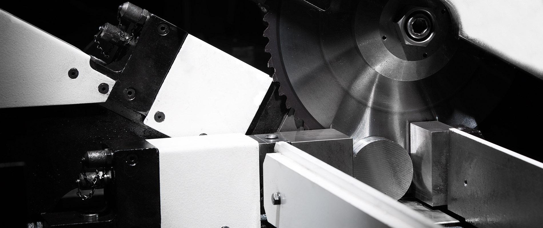 Moosburner Sägebetrieb Rohr zuschnitte
